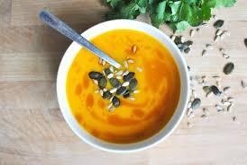 soupe de potimarron, patate douce, carotte et lait de coco